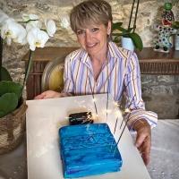 A very nice surprise has been prepared for MARTINE MICALLEF's birthday.🎁⠀ A cake in the shape of an EDENFALLS bottle, our novelty on sale tomorrow. A superb creation!✨⠀ Une bien belle surprise a été préparée pour l'anniversaire de MARTINE MICALLEF.🎁⠀ Un gâteau  en forme de flacon d'EDENFALLS, notre nouveauté en vente dès demain. Une superbe création !✨⠀ •⠀⠀⠀⠀⠀⠀⠀⠀⠀ •⠀⠀⠀⠀⠀⠀⠀⠀⠀ •⠀⠀⠀⠀⠀⠀⠀⠀⠀ #mmicallef #micallefnewperfume #parfumsmmicallefedenfalls #parfumsmicallef #newfragrance #EdenFalls #martinemicallefbirthday #luxuryperfume #perfume #martinebirthday #parfums #micallefnewexperience #micallefbirthday #25years #smellgood #luxuryfragrance #newperfumeshop #fragrance #scentoftheday #nichefragrance #nicheperfume #instafragrance #newperfume #eaudeparfum #exclusivity #emotion #nicheperfume #ArtandPerfume #sotd #mmicallefsavethedate